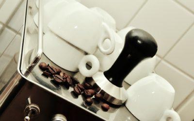 Comment Choisir sa Machine à Café Automatique avec Broyeur Intégré